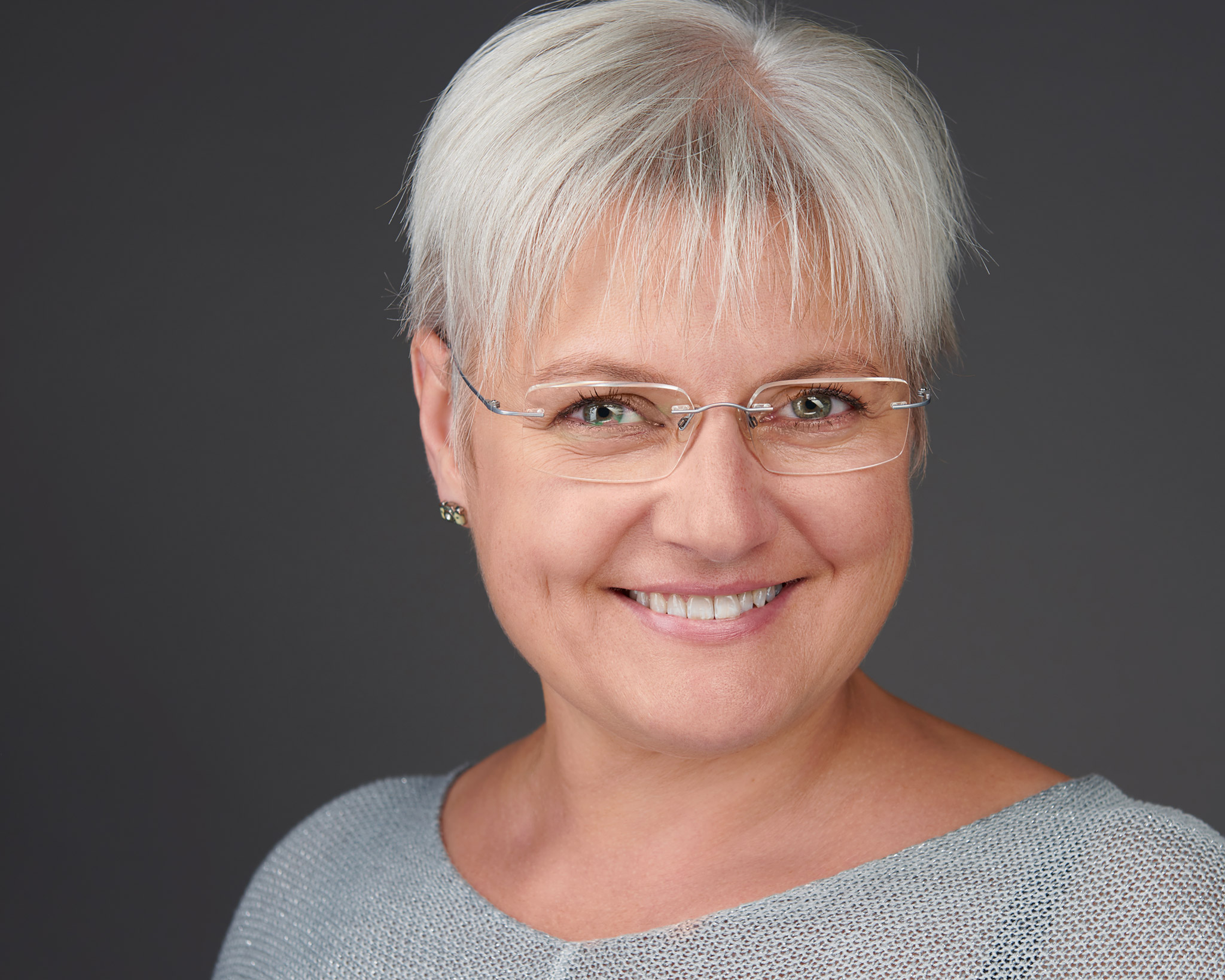 Sandra Mueller Headshot
